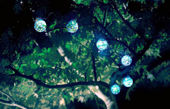 Solar Garden Lights Ideas: Cheer up your Garden with Solar Fairy Lights!